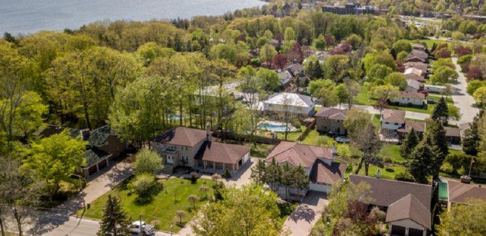 Custom Estate Close to Lake – 54 Penetanguishene